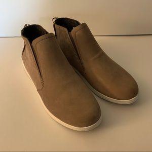NWOT OluKai Hawai'iloa Manu Hope Sneaker Boot-8